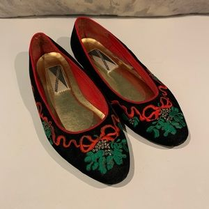 3/$30 SALE—WELL LOVED XMAS FLATS SIZE 8M